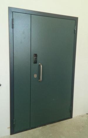 Дверь стальная с электронным замком SAMSUNG