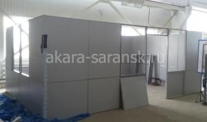 Монтаж заполнения каркаса  офисного помещения с потолочным перекрытием