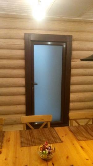 Алюминиевая дверь в моечное отделение