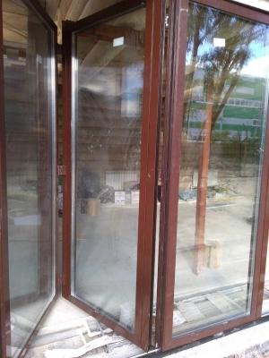 Раздвижная тёплая дверь гармошка 3