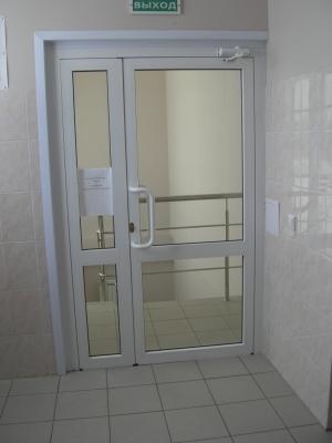 Дверь из алюминиевого профиля С48 Alutech