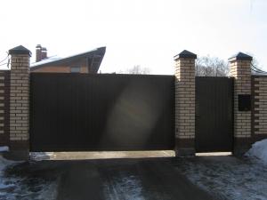 Сдвижные ворота и калитка DoorHan