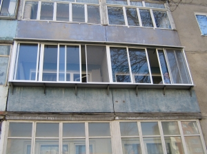 Раздвижная балконная рама из профиля ALT100 Alutech